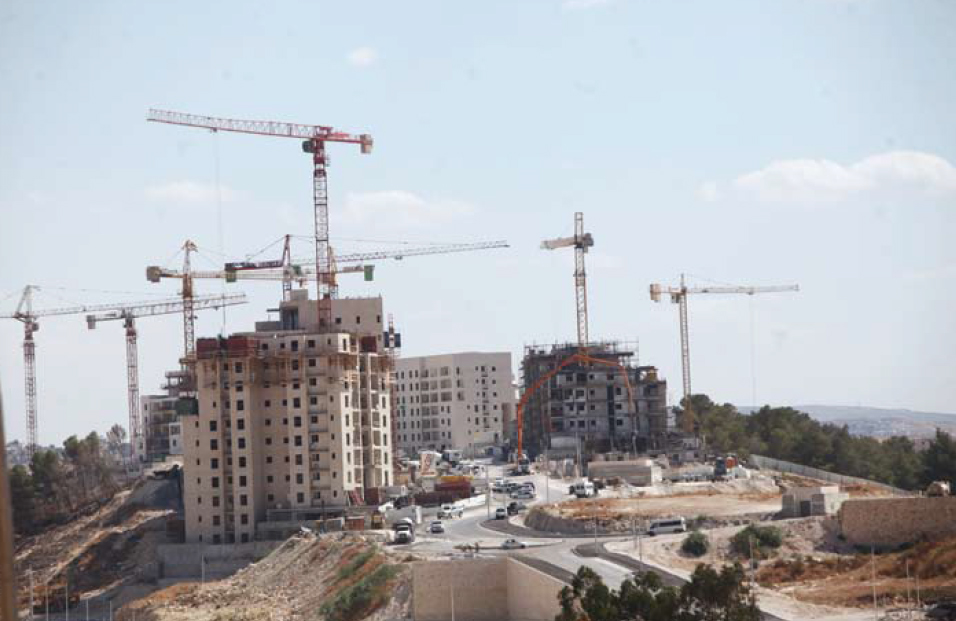 Jerusalem: Construction Works Continue in the Settlement of Abu Ghunaim Mount