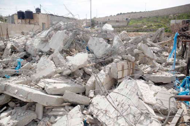 Jerusalem: Israeli Bulldozers Demolish Palestinian Residential Building in al-Tour Village